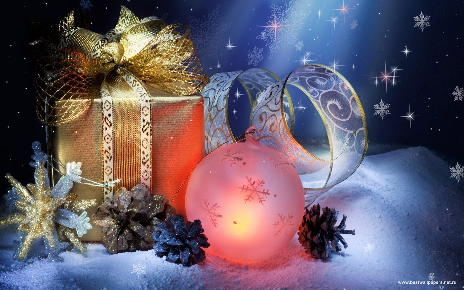 Нежный новогодний подарок в упаковке